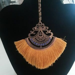 Jewelry - Cobalt blue and gold necklace